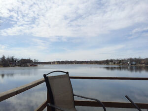 Lake Front Cabin - waiting for you!