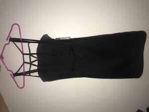 Xs black dress.