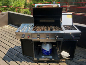 BBQ Cuisinart 850 Propane grill rotisserie, very good condition!