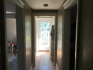 September 1st-large newly renovated 1br on Oxford Street