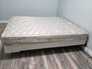 QUEEN BED FRAME MATTRESS AND BOX SPRING