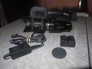 Sony NEX-VG30 Camcorder with 18-200mm f/3.5-6.3 Power Zoom