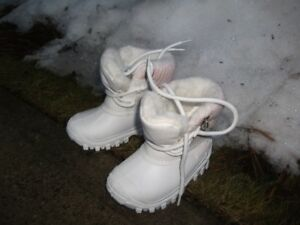 Toddlers new Snowboots