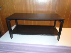 table basse ikea / petit meuble TV
