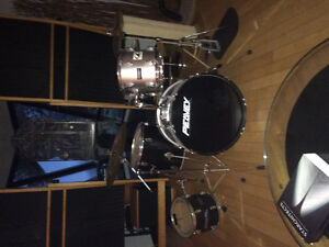 Peavy International Series II Drum Kit