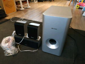 Pioneer 5.1 channel receiver and four speakers