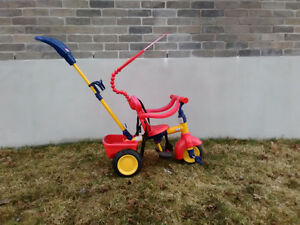 Tricycle 4 en 1 à vendre 60$