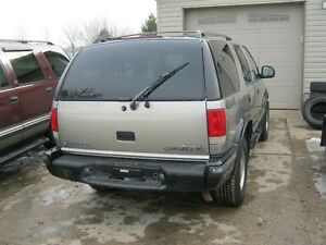 PARTING OUT 1998 BLAZER London Ontario image 2