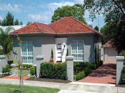 WESTMEAD 3 BEDROOM HOUSE FOR LEASE CAN WALK TO PARRAMATTA STATION