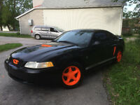 ****** Ford Mustang Coupe (2 door) ******