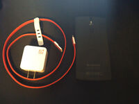 OnePlus One - UNLOCKED - Cracked Screen - Full Working Order