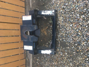 Fifth wheel and gooseneck hitch