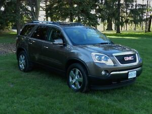 2011 GMC ACADIA SLT - SUNROOF  I  HEATED LEATHER  I  TOW PKG