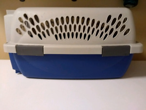 Petmate Carrier/Kennel