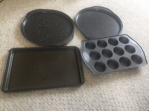 Moving Sale! 4 baking wares for 5