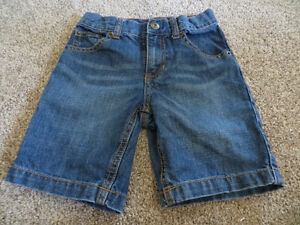 4 pairs boys size 6 denim shorts EUC Kitchener / Waterloo Kitchener Area image 2
