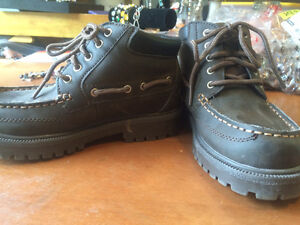 Great boys dress boots- great for school! Kitchener / Waterloo Kitchener Area image 1