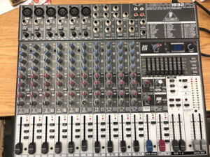 Behringer XENYX 1832FX Mixer with Effects