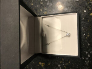 New Diamond necklace 18k White Gold
