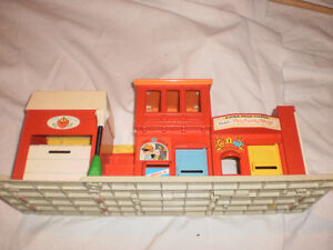 Vintage fisher price theatre 70's London Ontario image 1