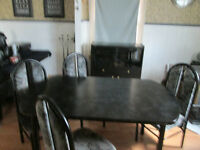 Table & Hutch