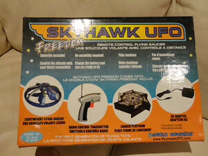 Selling A pair of RARE Early 2000's Skyhawk Flying R/C UFO's Kitchener / Waterloo Kitchener Area image 4