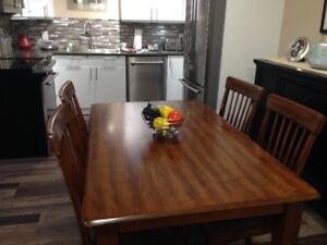 ashleys dining table and 6 chairs in excellent condition