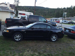 2000 3.8L V6 Ford Mustang Coupe (2 door)