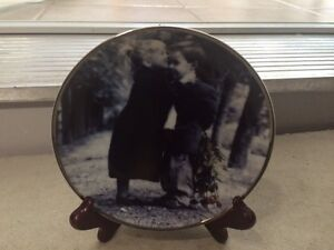 Pretty as a Picture Plate and ***4 Figurines*** by Kim Anderson