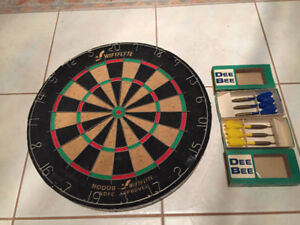 NODOR WIFTFLYTE NDFC Approved Dart Board w/ Darts - Like New