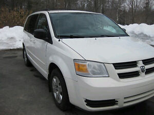 **2010 Dodge Caravan SE snow & go Safety and e-tested**