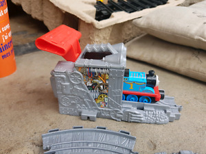 Thomas train tracks & launcher