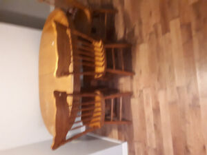 Table an chairs8