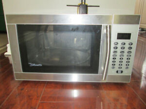 DANBY ( SILHOWETTE ) STAINLESS STEEL MICROWAVE OVEN FOR SALE
