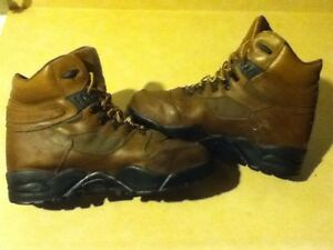 Men's WindRiver SympaTex Hiking Boots Size 10 London Ontario image 6