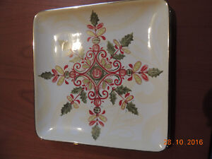 Park Designs - Snowflake Scroll Dessert Plates and Mugs London Ontario image 2