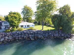 234 ROBSON RD WATERFRONT HOME