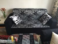Beutiful Sofa Set 3 and 2 Seaters New condition