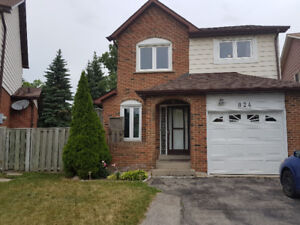 3+1 Bedroom DETACHED house In The Heart Of Mississauga