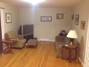 Room for rent close to MUN and Hospital St. John's Newfoundland image 1