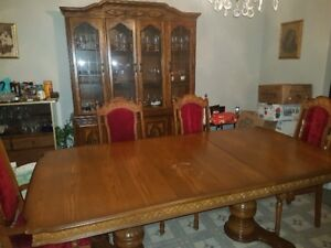 Solid Oak Table, 6 Chairs and Oak Hutch