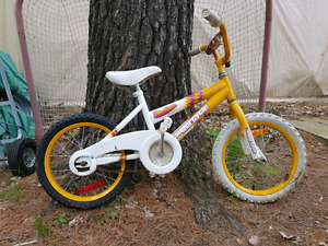 Free girls 3-6 BMX bike.