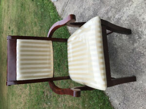 8 Dinning Chairs for sale