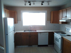 HOUSE FOR RENT IN HARVEST HILLS- 3BR- 2.5 Bath- OCT 1st