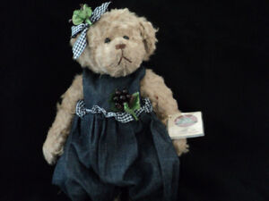 Limited Edition  NELLIE Collectors  Bear by Ganz