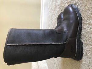 UGG Boots brown leather