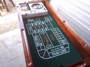wood gaming table