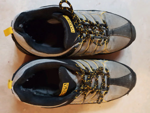 MARK'S WORK SAFETY SHOES SIZE 9