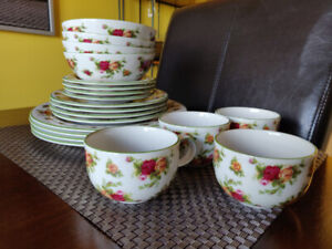 20 Pcs, 10/10 Mint & Never Used, Royal Albert, Old Country Roses