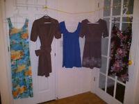 Dresses and skirts / Robes et jupes ...  20$ for 24 pieces!